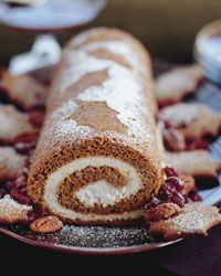 Gingerbread Roll with Cinnamon Cream: Desserts, Cinnamon Cream, Pumpkin Rolls, Christmas Cakes, Cakes Rolls, Sweet Treats, Cream Recipes, Gingerbread Rolls, Cream Cheese Filling