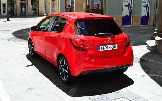 Toyota Yaris 1.3 VVT-i Dynamic - TopGear