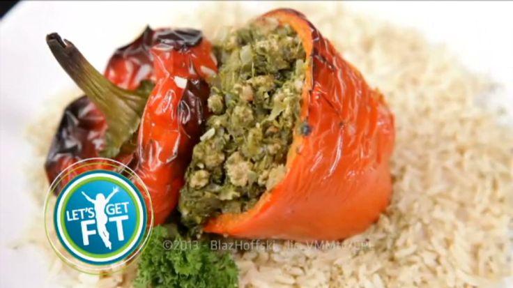 Gevulde paprika's met gemalen biefstuk, spinazie en bruine rijst | VTM Koken