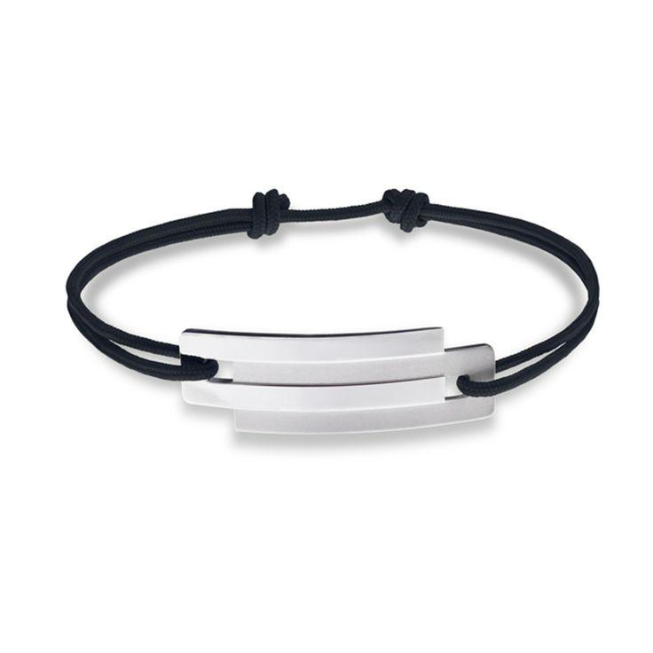 Retrouvez les bijoux Ursul Paris en boutique chez Design By O et sur www.design-tendance.com http://www.design-tendance.com/bracelets-cordon-homme-ursul/1178-bracelet-cordon-homme-argent-embrace-ursul.html
