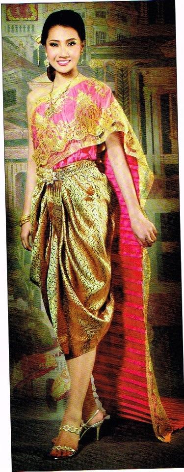 Bride wearing traditional wedding attire of Thailand.  Gorgeous!