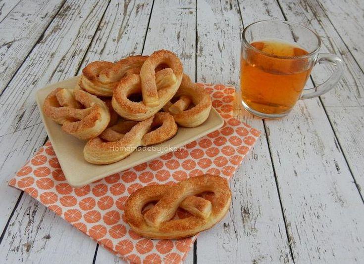 Bekijk de foto van Homemade By Joke met als titel Het recept voor deze heerlijke bladerdeeg kaneel krakelingen staat op mijn blog Homemade by Joke. en andere inspirerende plaatjes op Welke.nl.
