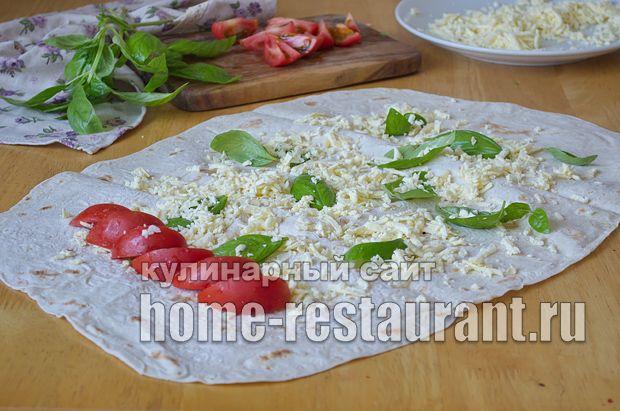 Готовим Лаваш с начинкой из брынзы, помидор и базилика: рецепт с фото пошагово. Лучшие рулеты из лаваша с разными начинками: рецепты с фото