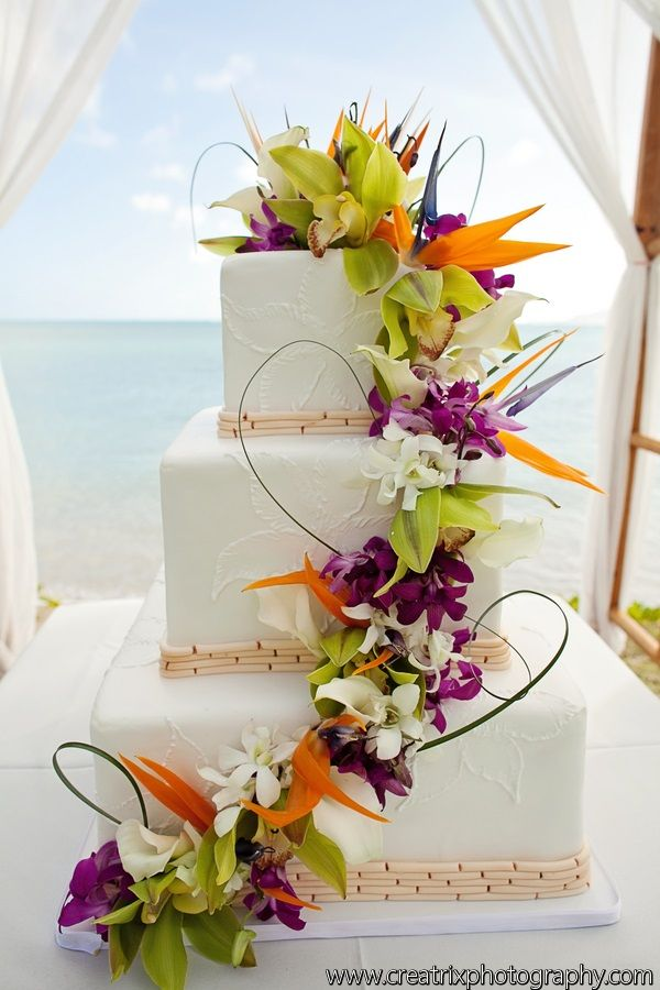 3 Tier Squareweddingcake In White With Bamboo Border And