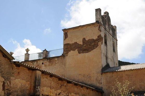 La famiglia del pittore si trasferì in Sardegna in una tenuta che per iniziativa della Scuola Civica di Arte Contemporanea adesso può essere visitata