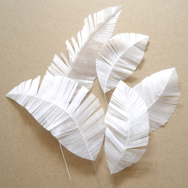 diy feathers:use felt  and pipe cleaners for Periwinkle Costume