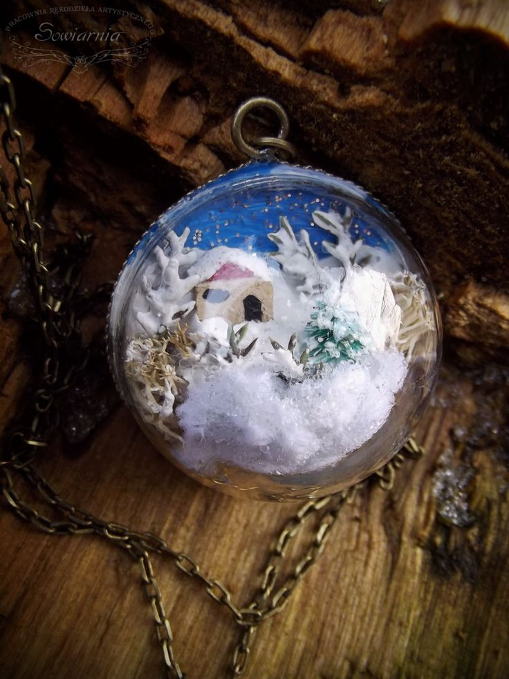 Snow globe necklace - winter wonderland