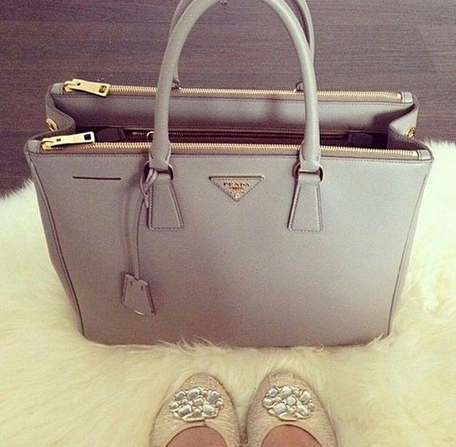 ♚queen glam♚. Big PursesBeautiful BagsDesigner BagsDesigner HandbagsPrada  ...