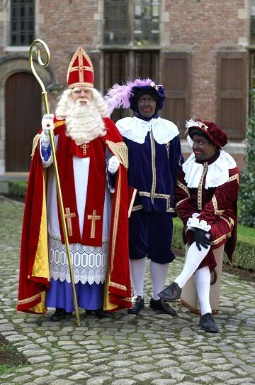 It really is difficult to look at Dutch Sinterklaas and his Zwarte Pieten.