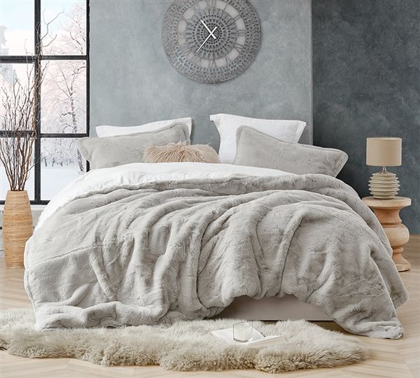 Softest King Oversized Comforter For King Size Bed Coma Inducer Stone Taupe Chunky Bunny Plush King Xl Bedding In 2020 Taupe Comforter Oversized King Comforter Comforter Sets