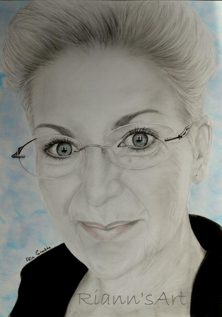 Portret van mijzelf getekend met grafiet potlood op een A3 papier.