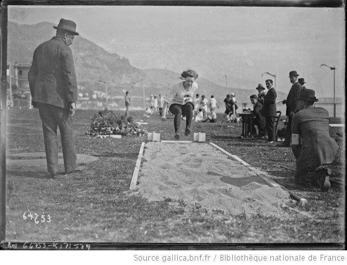 26-3-21, Monte-Carlo, saut en longueur [Miss Hilda Hatt, olympiades féminines] : [photographie de presse] / [Agence Rol] - 1