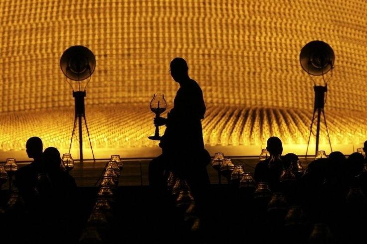 Thousands Of Monks Light Candles In Gorgeous Lunar Festival
