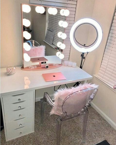 Cute for room desk! Maybe not the lighted mirrors. Makeup desk idea - 17 Best Ideas About Makeup Vanity Desk On Pinterest Vanity Desk