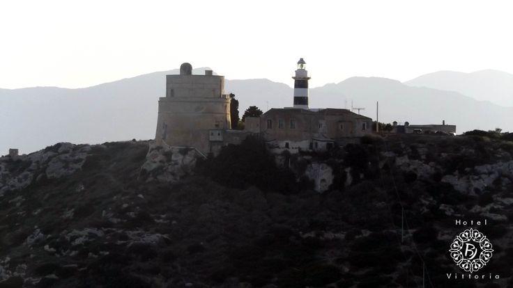 Il Faro alla Sella del Diavolo - http://www.hotelbjvittoria.it   #fari #monumenti #Cagliari #Sardegna
