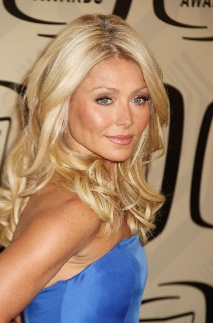 2019 year for lady- Like Extensions kelly ripa