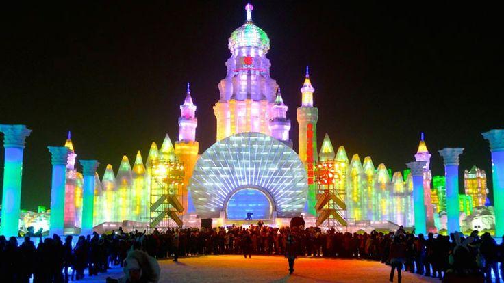 Foto delle sculture di ghiaccio all'Harbin Ice Festival n.30
