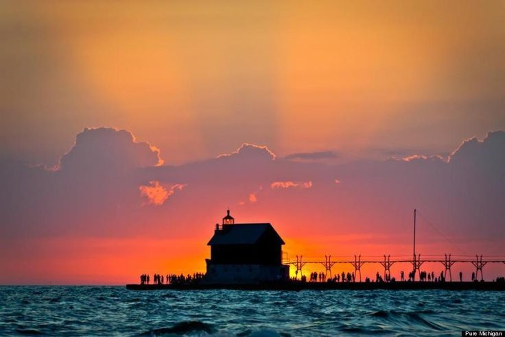 10 Beaches That Will Make You Want To Plan A Trip To The Great Lakes Immediately, like Grand Haven State Park Beach