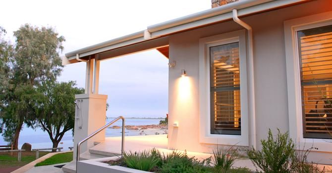 Old Dunsborough cottage renovation by Todd Huxley of Studium