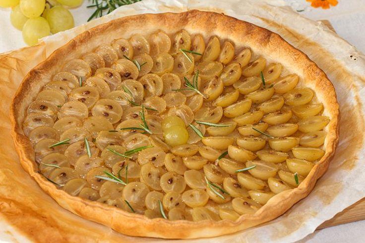 Tarte aux raisins à l'huile d'olive et au romarin