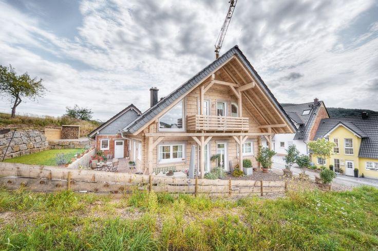 Honka Einfamilienhaus Modell Peak Frontansicht