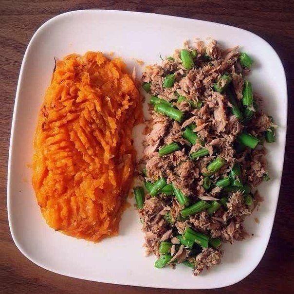 Тунец с морковным пюре
