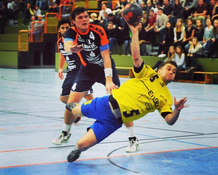Heute Abend wird es gegen Polen wieder Ernst für unsere Handball-Jungs. Was sind eure Tipps?  #stickerstars #KlebedeinenTraum #WerdeselbstzumStar #kindheitstraum  #sticker #stickeralbum #verein  #berlin #fun #like #motivation  #sport #startuplife #startup #sports #beautiful #awesome #germany #deutschland #smile #amateure #childhood #football #soccer #handball #unsereAmateure #polen #dfb