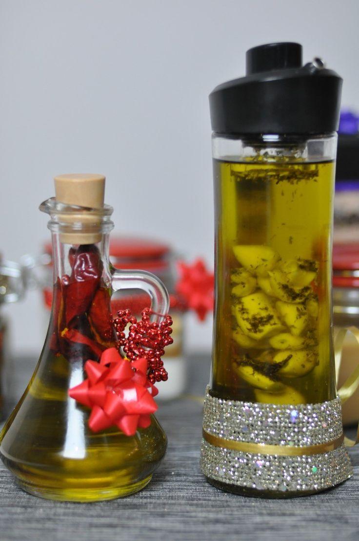 oliwa smakowa z czosnkiem_ papryką_suszonymi pomidorami