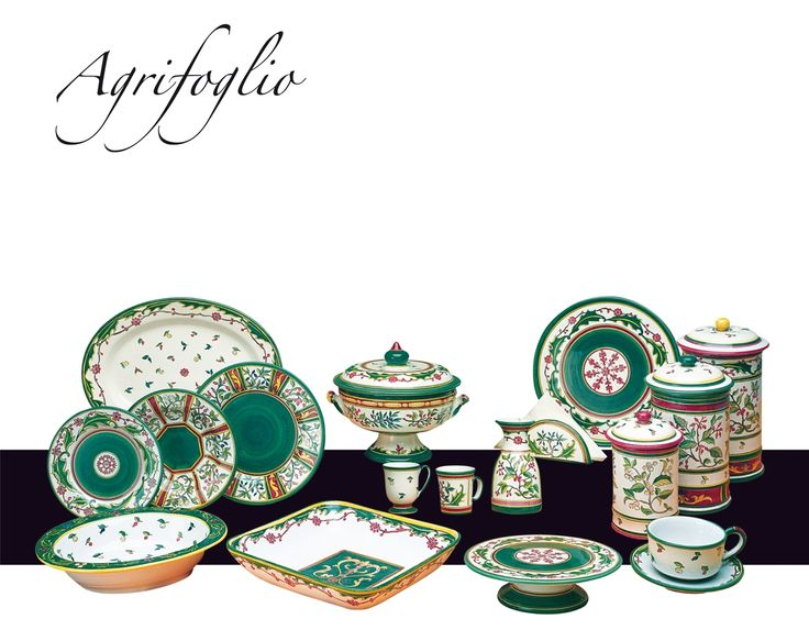"""Collection """"Agrifoglio"""" The perfect pattern for your Christmas! #italianceramics #madeinitaly #christmas #tableware"""