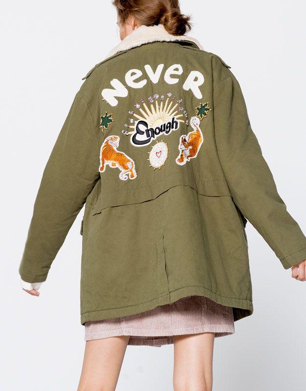 Pull&Bear - mujer - ropa - abrigos y cazadoras - sahariana  bordado espalda - kaki - 09710356-I2016