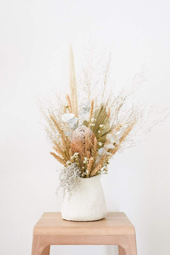Fresh Flowers To Start Out The Week Dried Flowers Dried Flower Bouquet Flower Pots
