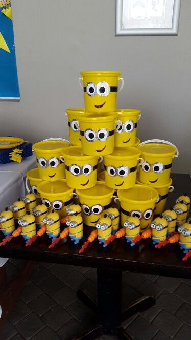 Party favors table