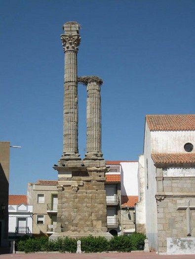 Turismo en Extremadura. Legado romano. Dístilo Romano Zalamea de la Serena