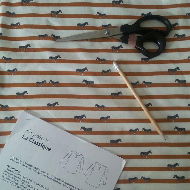 Couture en cours. Pour moi cette fois ! Blouse #mlm #laclassique avec le tissu masaï de #bographik ☺