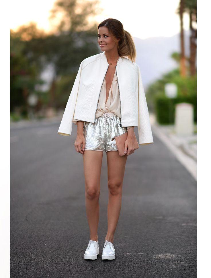 Nettenestea ferie usa palm springs outfit sommer antrekk blogg annette haga mote reise paljett shorts hvit bomber jakke zara fersken farget skjorte neutrals ton i ton