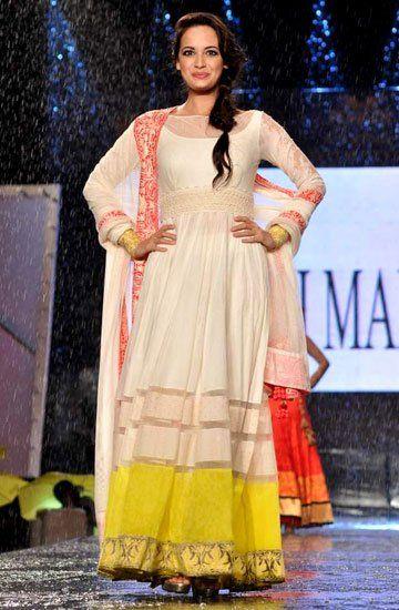 8 best Fashion images on Pinterest   Indischer stil, Indische anzüge ...
