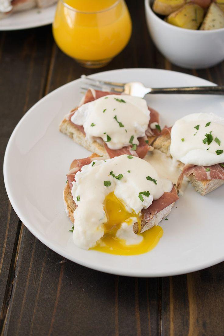 Uova alla Benedettina: Italian Eggs Benedict with Prosciutto de Parma (Eggs Benedict with White Sauce & Prosciutto)