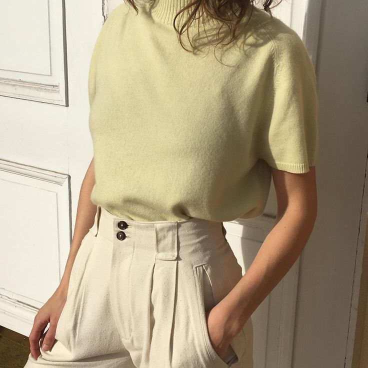 Wear simple tees and linen trousers with a slouchy tote for everyday effortless style.