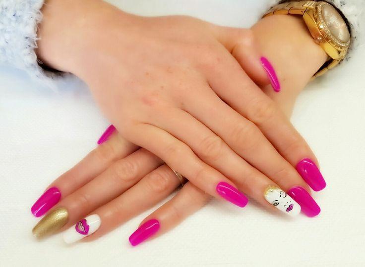 Lady chic acrylic nails