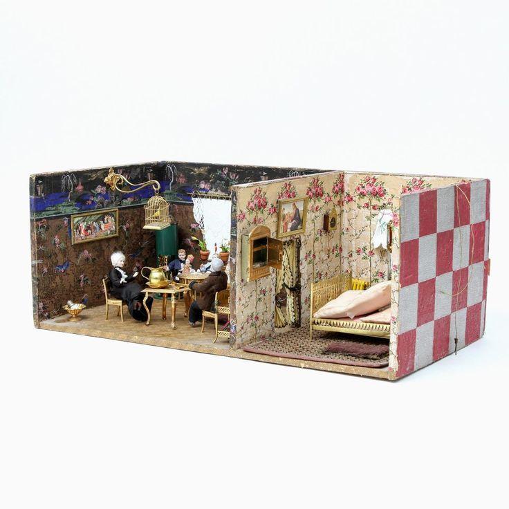 ERHARD U0026 SÖHNE U.a. Puppenstube, 20.Jh., Tapeziertes Holzgehäuse