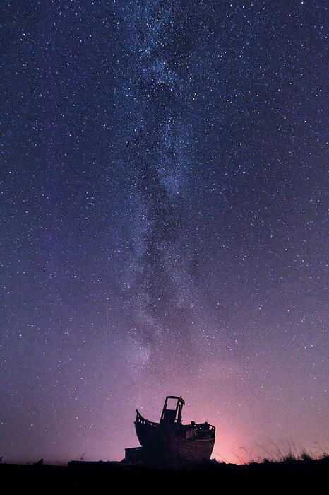 Dungeness Under The Milky Way © Ian Hufton