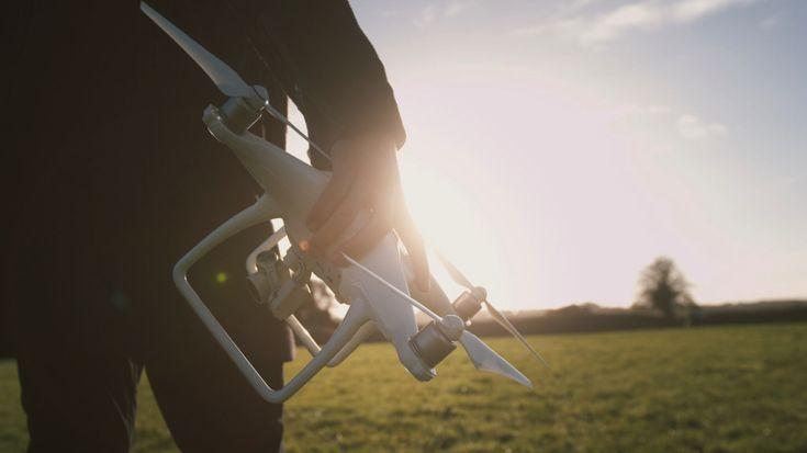 The Drone Factory brengt de nieuwste drone technologie op de markt. Ze zijn populair onder techniek en fotografie liefhebbers in heel Ierland en daarbuiten.  Lees verder op: https://www.lightspeedhq.nl/blog/drone-factory-zet-een-stap-vooruit-technologie/