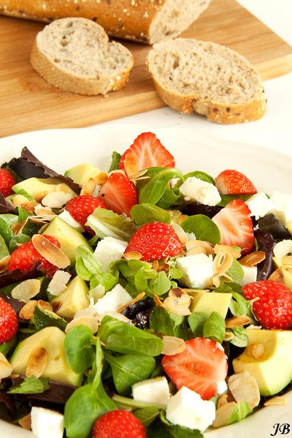 aardbeien feta avocado salade
