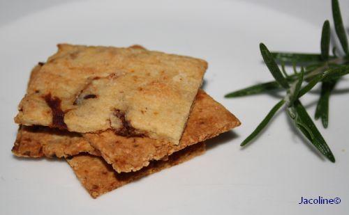 Gezond leven van Jacoline: Crackers van amandelmeel met zongedroogde tomaatjes