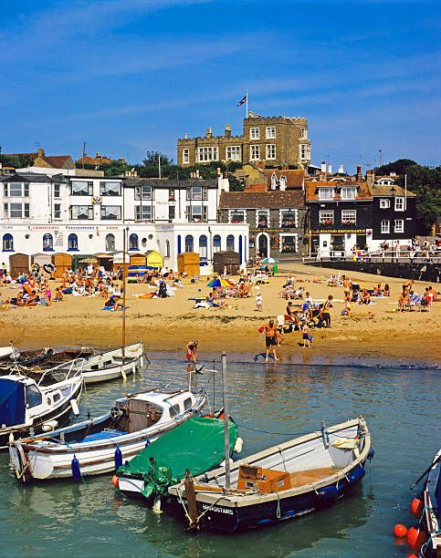 Broadstairs Beach in Kent, England from St Pancras station 1h30