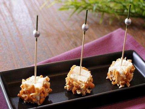 柿の種のリメイク クリームチーズの和風ピンチョス  http://www.yamasa.com/recipes/1245/