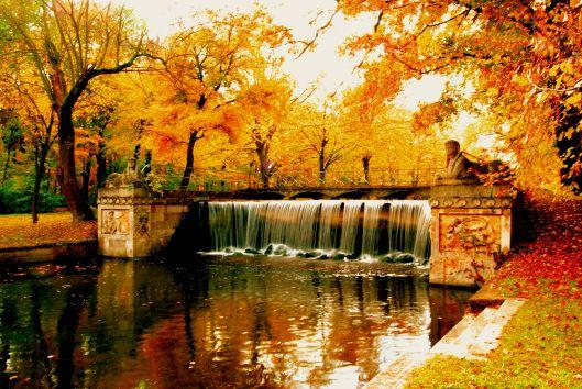 Beautiful: Autumn in Laxenburg Park near Vienna, Austira