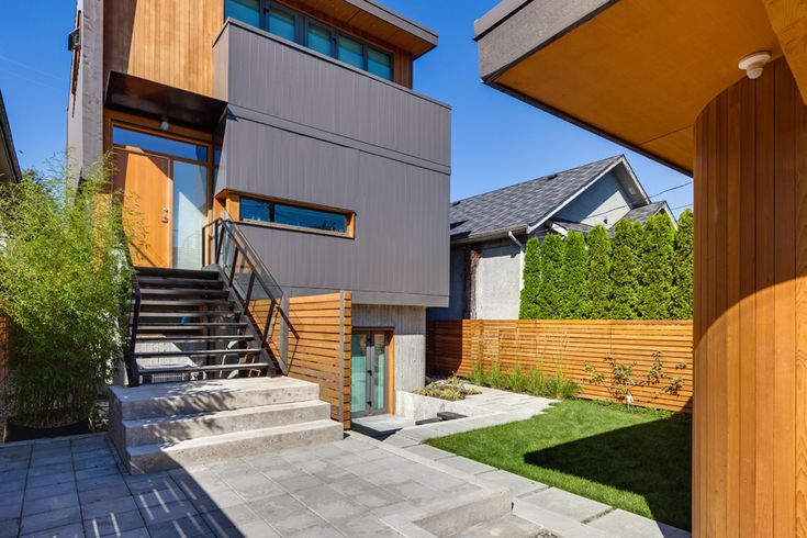 Eco Home | West Coast Modern | Passive House | Photo taken by Two Column Marketing