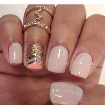 """Les """"squoval nails"""" peuvent aussi servir aux accent nails !"""
