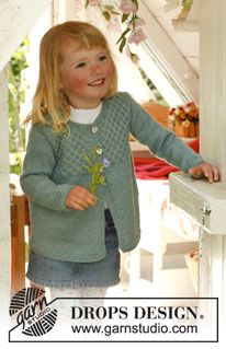 """My honey - Knitted DROPS jacket with honeycomb pattern in """"Alpaca"""". Size 3 to 12 years. - Free pattern by DROPS Design"""